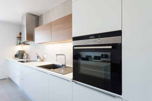 Steps to follow for cooking in a tabletop convection oven