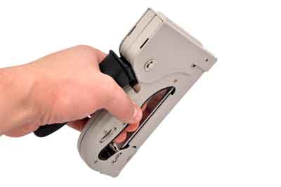 How can you select the best staple gun for picture framing